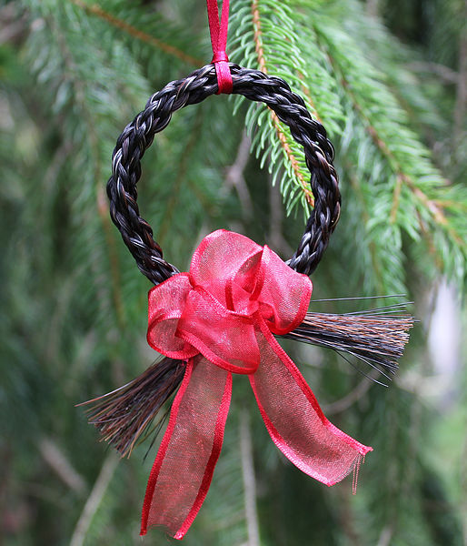 deTails Horsehair Jewelry Two Tail Ornament